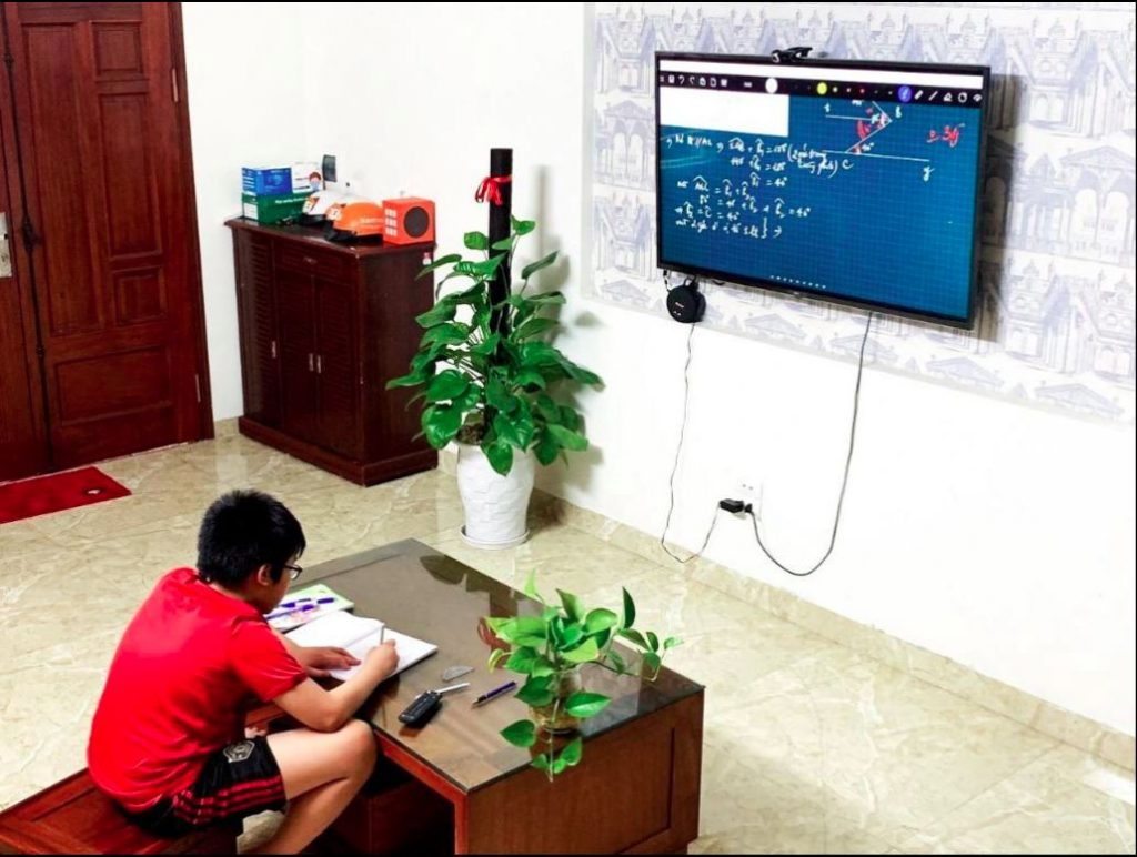 học trực tuyến bằng fpt play box